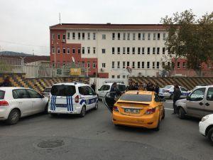 Okulda Bıçaklı Kavga, 2 Öğrenci Yaralandı