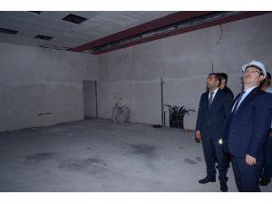 Vali Ünlü 112 Acil Çağrı Merkezini İnceledi