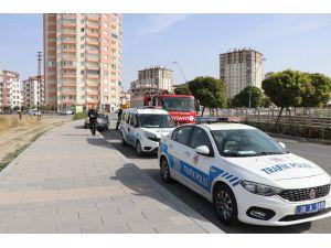 Kaldırıma Çarpan Otomobil Yan Yattı: 1 Ağır Yaralı
