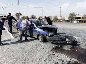 Otomobil İle Tır Çarpıştı:2 Yaralı
