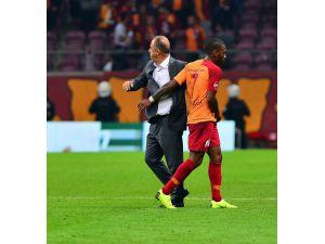 Fatih Terimli Galatasaray Ligde Evinde İlk Kez Puan Verdi