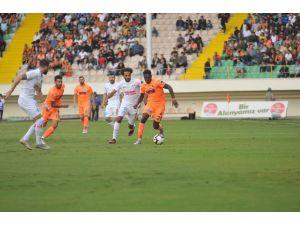 Spor Toto Süper Lig: Aytemiz Alanyaspor: 0 - Antalyaspor: 1 (İlk Yarı)