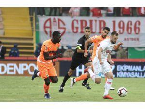 Spor Toto Süper Lig: Alanyaspor: 0 - Antalyaspor: 1 (Maç Sonucu)