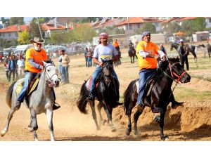 Muğla'da 'Rahvan At'yarışı