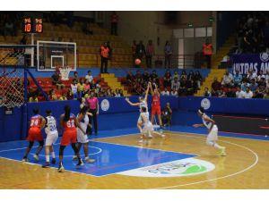 Türkiye Kadınlar Basketbol Süper Ligi: Hatay Büyükşehir Belediyespor: 83 - Botaş: 63