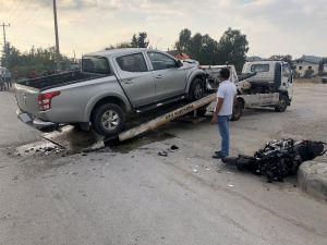 Kamyonete Çarpan Motosiklet Üzerindeki 2 Liseli Ağır Yaralandı