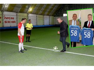 Askıda Ekmek Futbol Turnuvası Başladı