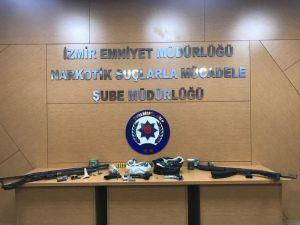 İzmir'de Eş Zamanlı Narkotik Operasyonu
