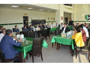 Denizlispor'da Başkan Ali Çetin, Personellerin Sorunlarını Dinledi