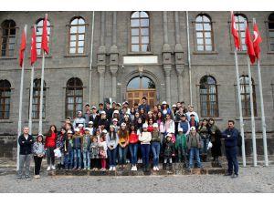 Kursiyerler Kentin Tarihi Ve Turistik Mekanlarını Gezdi