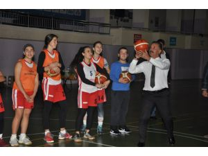 Toroslar Kadın Basketbol Takımı Fenerbahçe İle Karşılaşacak