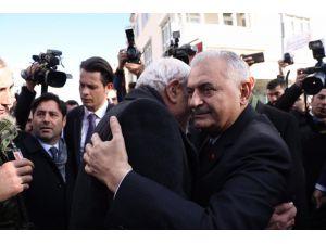 Meclis Başkanı Yıldırım, Şehit Emniyet Müdürünün Cenaze Törenine Katıldı