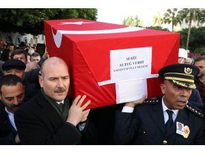 Şehit Emniyet Müdürü Gözyaşları Arasında Son Yolculuğuna Uğurlandı