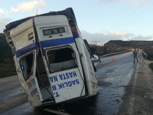 Hatay'da Ambulans Devrildi: 2 Yaralı