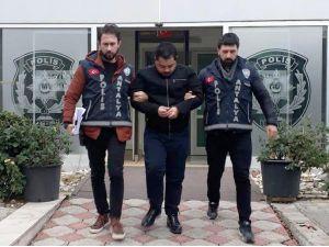 İki Kuyumcudan 20 Bin Euro'luk Saat Ve 40 Bin Liralık Ziynet Eşyası Çalan Suriyeli Tutuklandı