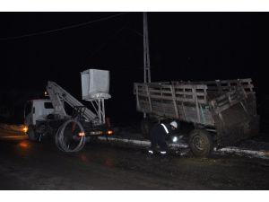 Kaza Sonrasında Kopan Elektrik Telindeki Akıma Kapılarak Hayatını Kaybetti