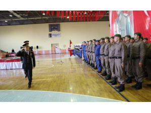 Bedelli Askerlik Yemin Töreni'nde Sigarayı Bırakan Askere Vali'den Ödül