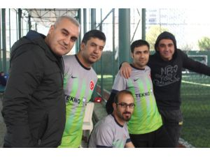 Geleneksel Aosb Futbol Turnuvası Sürüyor