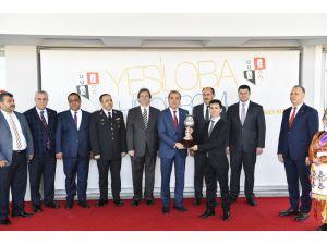 """Adana'da Vali Kupası Koşusunu """"Bildenhan"""" Kazandı"""
