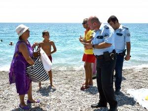 62 yaşındaki kadın, polisi alarma geçirdi