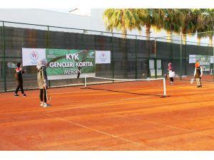 Kyk Öğrencileri Tenis Eğitimlerine Başladı