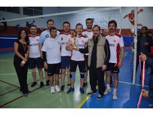 Bozyazı'da Kurumlar Arası Voleybol Turnuvası Sona Erdi