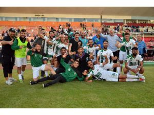 Ceyhanspor'da Ligde Kalma Sevinci