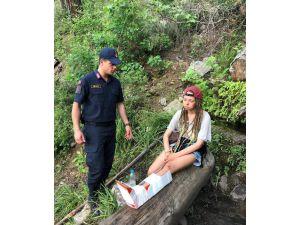 Kanyonda Ayağı Kırılınca Mahsur Kalan Rus Turist Kurtarıldı