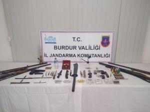 Burdur'da Uyuşturucu Ve Göçmen Kaçakçılığı Operasyonu