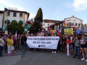 Trans cinayeti protesto edildi