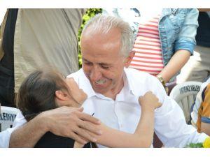 Başkan Gültak, Özel Çocuklarla Çiçek Dikti