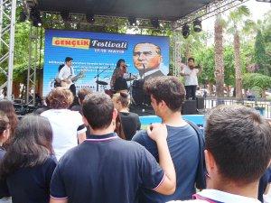 Gençlik Festivali renkli başladı