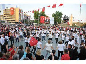 Antalya'da 300 Kişi 'Atabarı' Oynadı