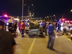 İki Otomobil Kafa Kafaya Çarpıştı 6 Kişi Yaralandı