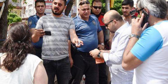 Pazarlığı Bozan Galericiyi Plastik Kelepçe Takıp, Dövdüler