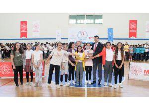 Okul Sporlarında Ödüller Verildi