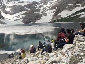 Bolkar Dağları'ndaki Göllere Ziyaretçi Akını