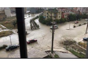 Burdur'da Sağanak Su Baskınlarına Sebep Oldu