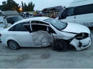 Tarsus'taki Kazada Yaralanan 2 Genç Hayatını Kaybetti