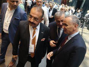 """Arslan: """"Türk Tarımı Dünya Piyasaları İle Rekabet Edebilir Düzeyde"""""""