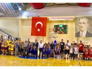 Adana'da 10 Bin Çocuk Basketbol Eğitimi Aldı