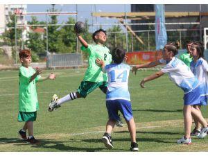 Alanya'da Açık Alan Hentbol Turnuvası