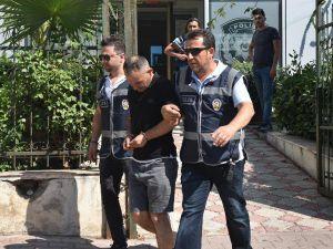 Yardım Bahanesiyle İki Turisti 60 Bin Lira Dolandırdı