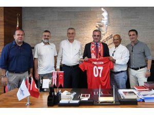 Başkan Esen'e Antalyaspor Dernek Yönetimi'nden Ziyaret
