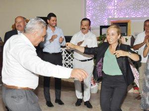 Gazeteci Kaya oğlunu evlendirdi