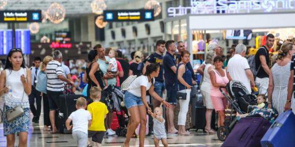 'Ayak Bastı Parası Bir Türkiye'de Yok, Bir De Turist Gitmeyen Ülkelerde'
