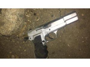 Polis Ruhsatsız Silaha Geçit Vermiyor