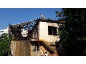 Gazipaşa'da İki Ev Yandı