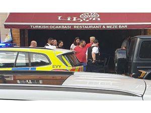 Mesut Özil'in Sığındığı Restoranın İsim Ve Logosu Kopya İddiası