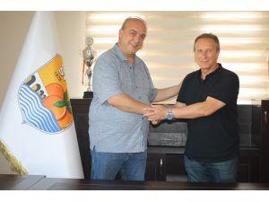 Erzinspor Teknik Direktör Cüneyt Karakuş İle Anlaştı